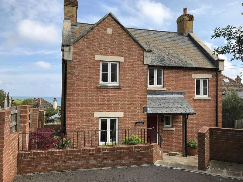 3 Bedrooms Detached House for sale in Higher Sea Lane, Charmouth