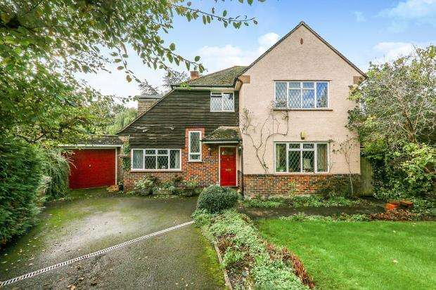 4 Bedrooms Detached House for sale in Shalford, Guildford
