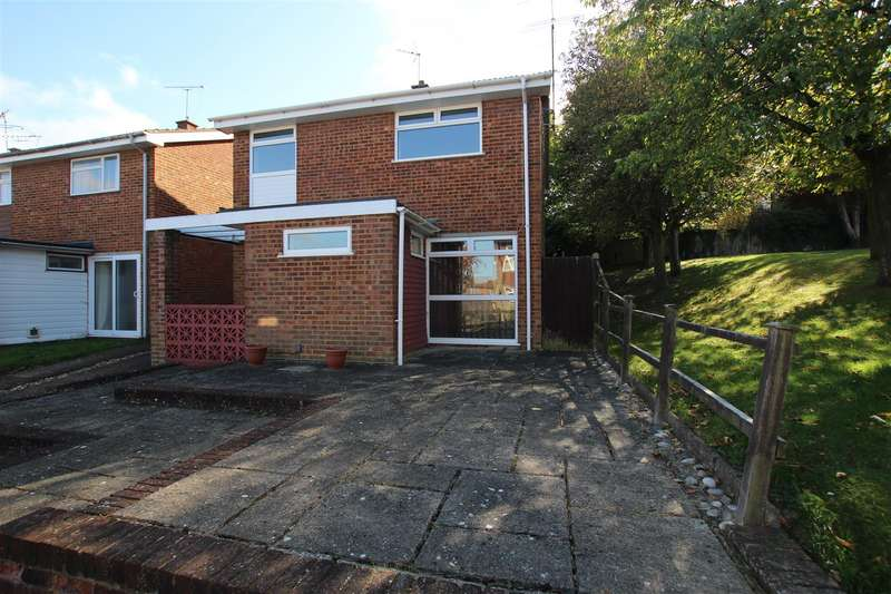 4 Bedrooms Detached House for sale in Roslyn Way, Houghton Regis, Dunstable