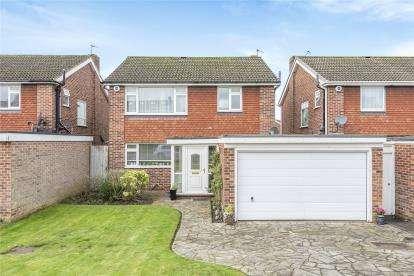 3 Bedrooms Detached House for sale in Highwood Drive, Locksbottom, Kent