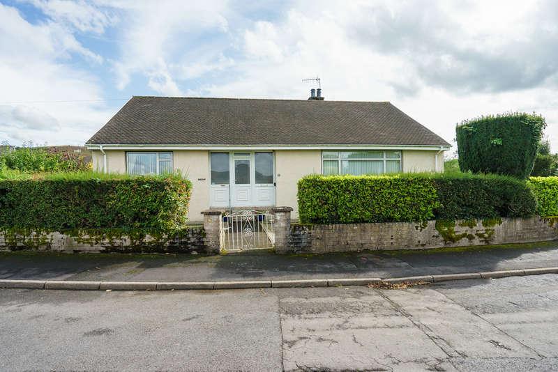 3 Bedrooms Detached Bungalow for sale in 1 Robby Lea Drive, Natland, Kendal, Cumbria, LA9 7QP