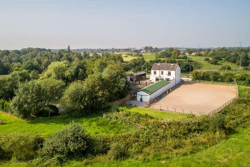 5 Bedrooms Detached House for sale in Back Lane, Ashton-under-Lyne, Tameside