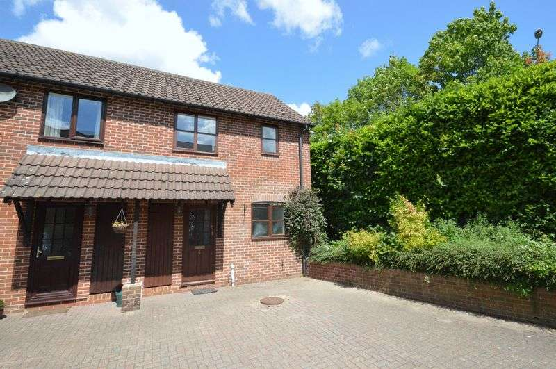 2 Bedrooms Property for sale in Redhouse Mews, Liphook - NO ONWARD CHAIN