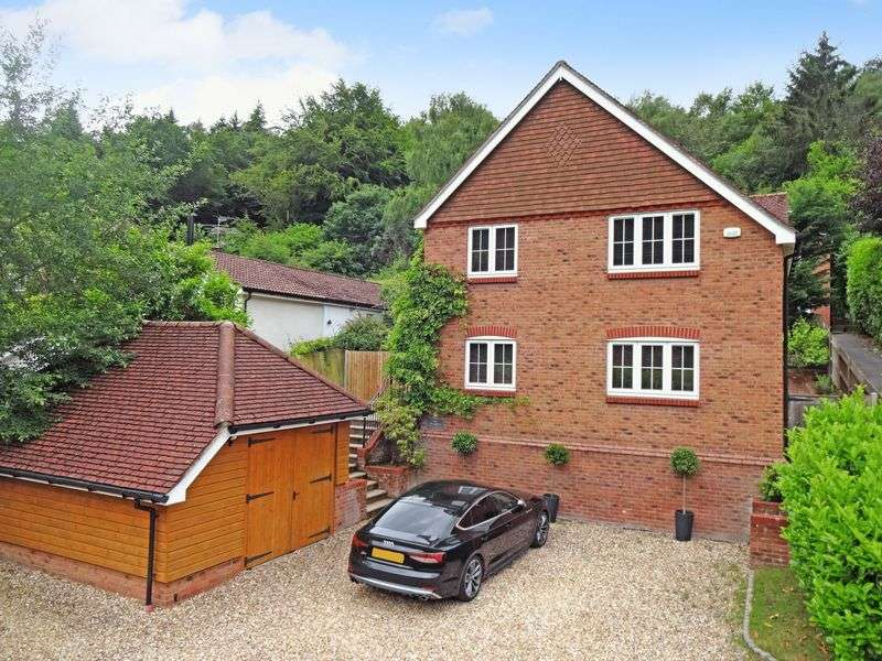 4 Bedrooms Property for sale in Marley Combe Road, Haslemere