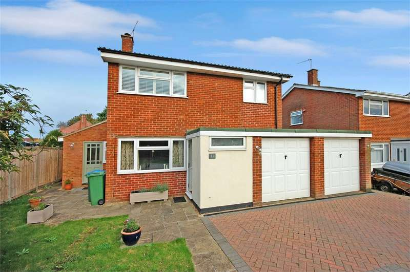 4 Bedrooms Detached House for sale in Chestnut Close, Waddesdon, Buckinghamshire