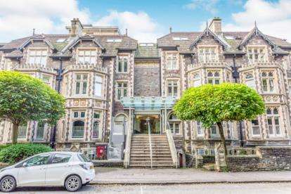 3 Bedrooms Flat for sale in Royal Parade, 2-7 Elmdale Road, Bristol