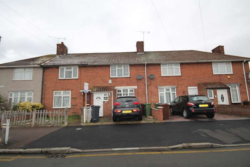 3 Bedrooms Terraced House for sale in St. Georges Road, Dagenham, RM9 5JU