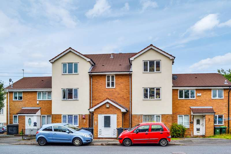 2 Bedrooms Apartment Flat for sale in Winchester Close, Rowley Regis, B65