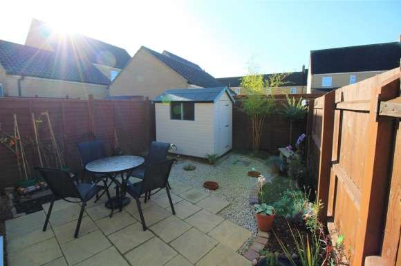 2 Bedrooms Semi Detached House for sale in Christie Drive, Huntingdon