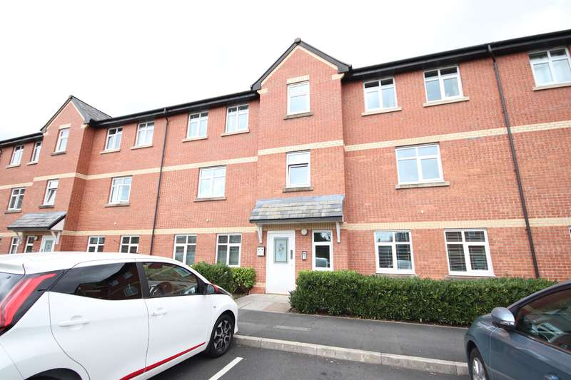 2 Bedrooms Flat for sale in Pendle Court, Leigh, WN7 3AB