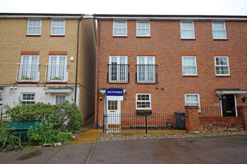 3 Bedrooms Town House for sale in Cleveland Way, Stevenage, SG1 6BZ