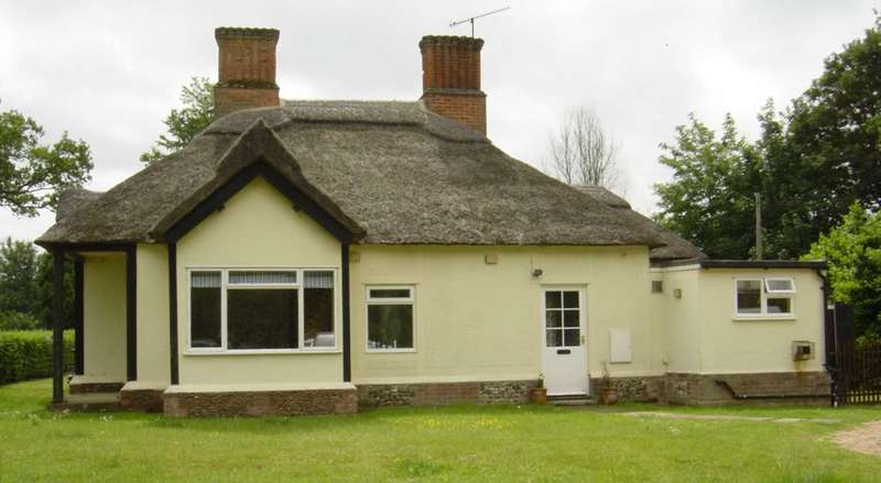 4 Bedrooms Detached House for rent in Park Farm, Herringswell