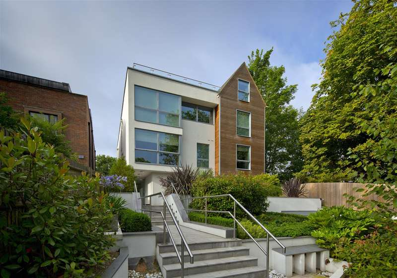 3 Bedrooms Flat for sale in West Heath Road, Hampstead, NW3