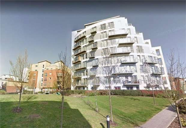 2 Bedrooms Flat for sale in Charrington Place, St Albans, Hertfordshire