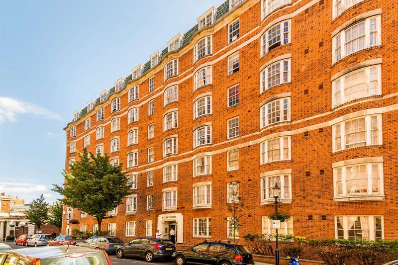 3 Bedrooms Flat for sale in Queensway, Bayswater, W2
