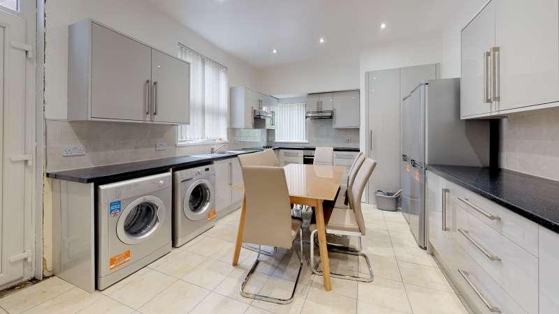 10 Bedrooms Terraced House for rent in Bainbrigge Road, Headingley, Leeds
