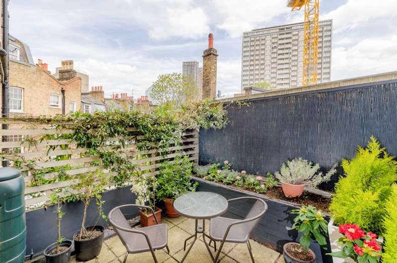 5 Bedrooms Terraced House for sale in Northampton Square, Clerkenwell, EC1V