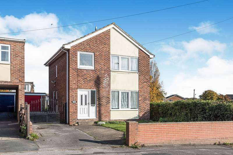 3 Bedrooms Detached House for sale in Broadowler Lane, Ossett, West Yorkshire, WF5