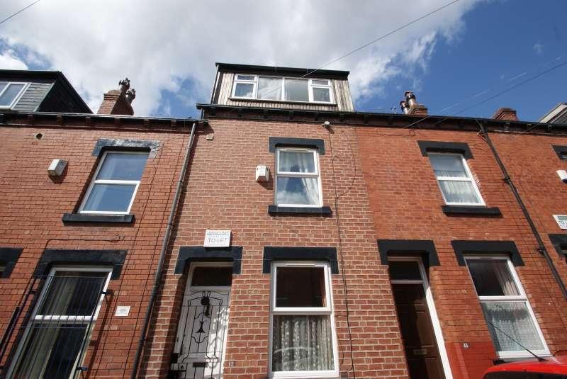 6 Bedrooms Terraced House for rent in Welton Mount, Hyde Park, Leeds