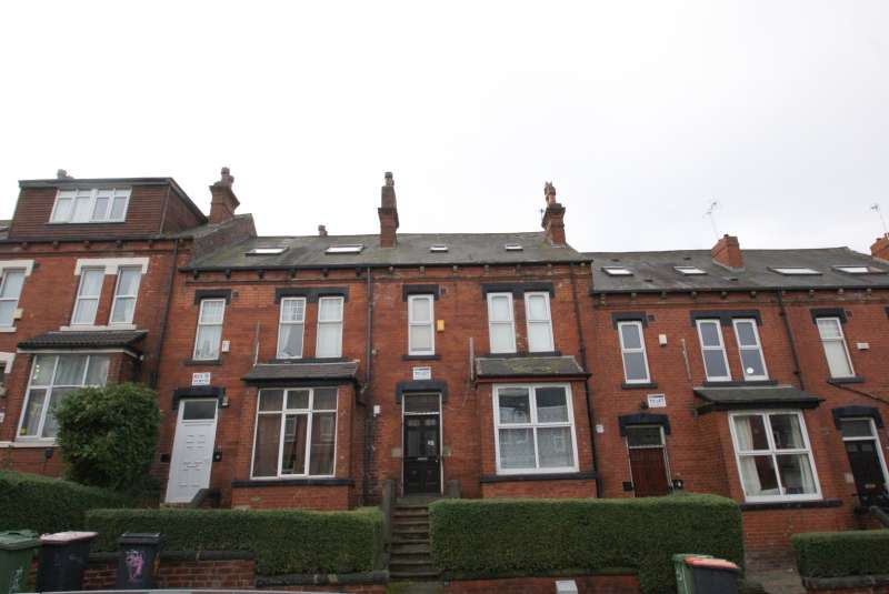 6 Bedrooms Terraced House for rent in Brudenell Avenue, Hyde Park, Leeds