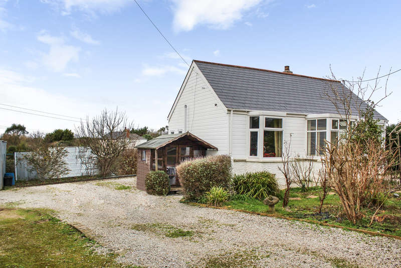 2 Bedrooms Detached Bungalow for sale in HAYLE