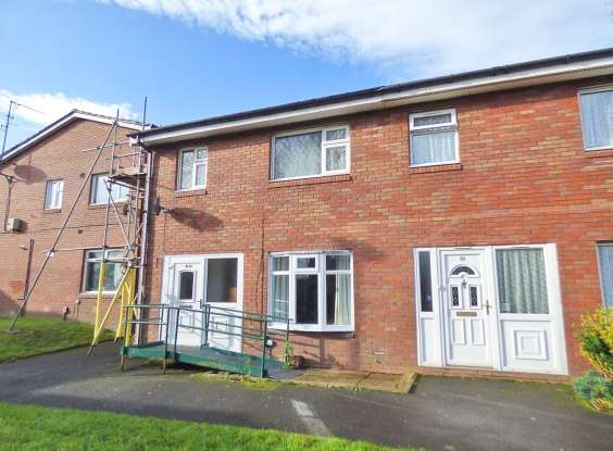 3 Bedrooms Semi Detached House for sale in Watergate Milne Court, Oldham, Lancashire, OL4 2UZ