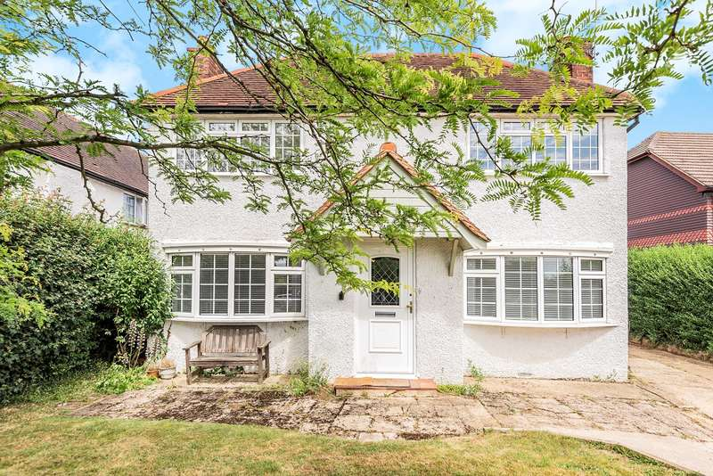 3 Bedrooms Detached House for sale in Orchard Road, Seer Green, Beaconsfield, HP9