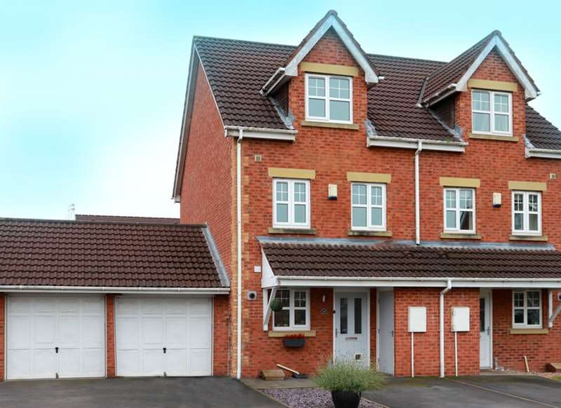 3 Bedrooms Town House for sale in The Fieldings, Preston, Lancashire, PR2