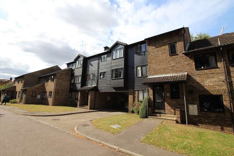 2 Bedrooms Apartment Flat for sale in Old Hertford Road, Hatfield, AL9