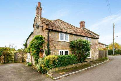 3 Bedrooms Detached House for sale in Crewkerne, Somerset