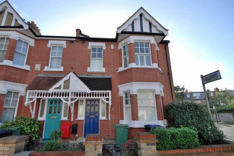 5 Bedrooms Semi Detached House for sale in Kingsdown Avenue, Ealing, London, W13 9PT