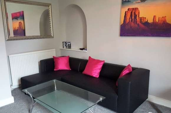 6 Bedrooms Apartment Flat for rent in Wallace Street.