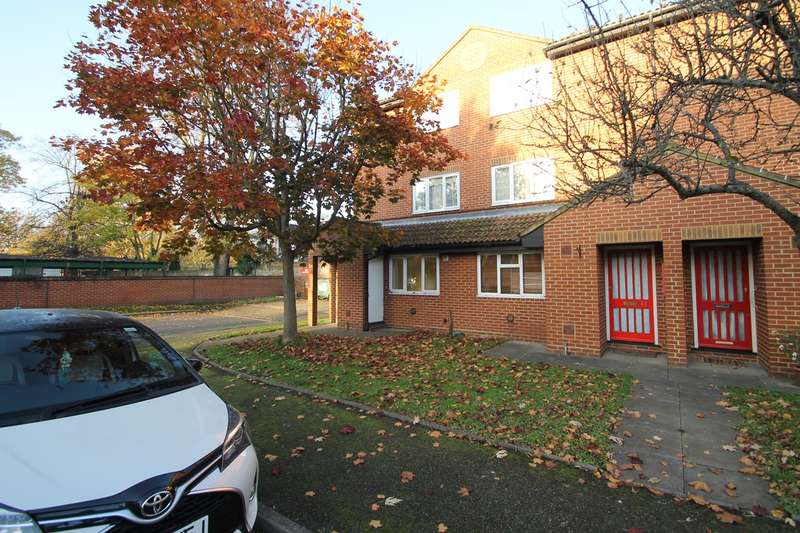 1 Bedroom Flat for rent in Chatsworth Place, Mitcham, CR4