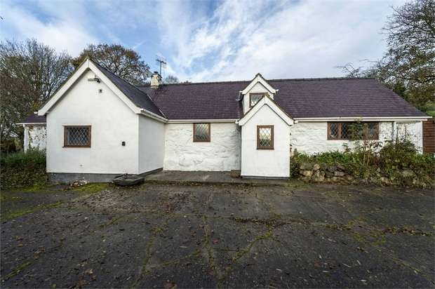 3 Bedrooms Detached House for sale in Corwen, Corwen, Denbighshire