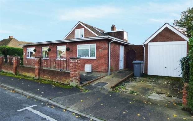 5 Bedrooms Detached Bungalow for sale in St Johns Road, Saxmundham, Suffolk