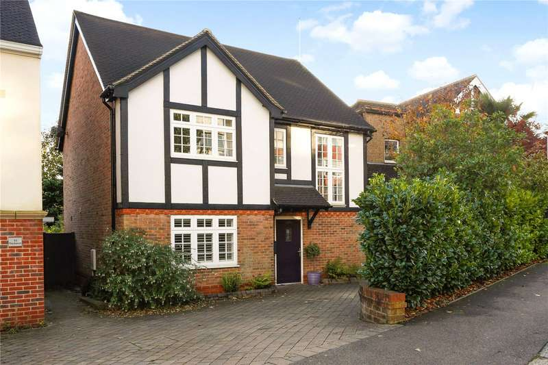 4 Bedrooms Detached House for sale in The Avenue, Coulsdon, Surrey, CR5