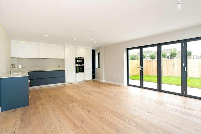 4 Bedrooms Semi Detached House for sale in Green Barn Farm, Selborne Road, Alton, Hampshire, GU34