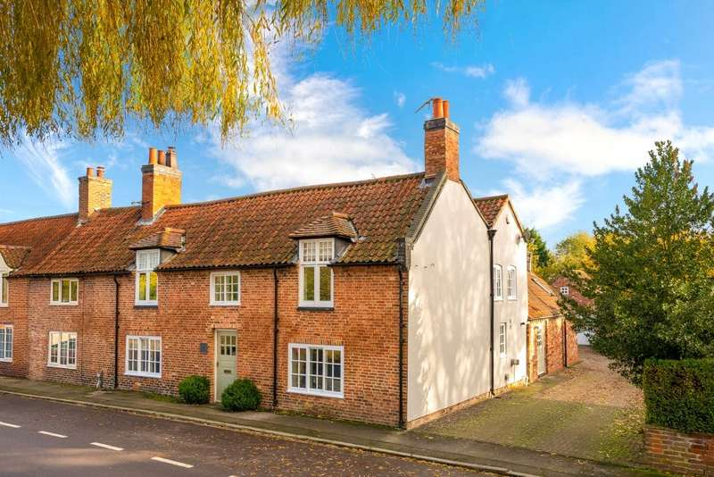 4 Bedrooms House for sale in High Street, Brant Broughton, Lincoln, Lincolnshire, LN5