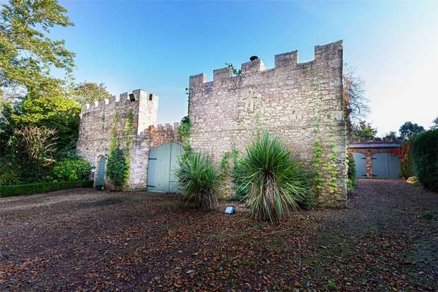 5 Bedrooms Detached House for sale in The Village, Castle Eden, Hartlepool, Durham