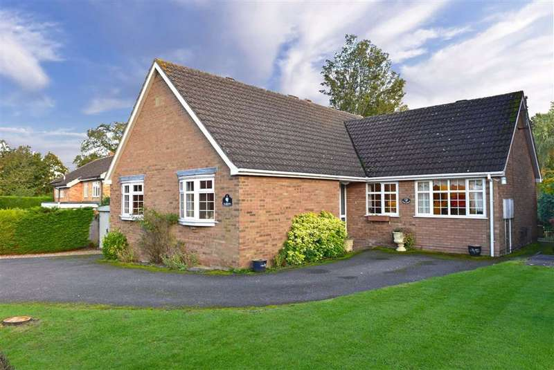 3 Bedrooms Detached Bungalow for sale in Collingtree