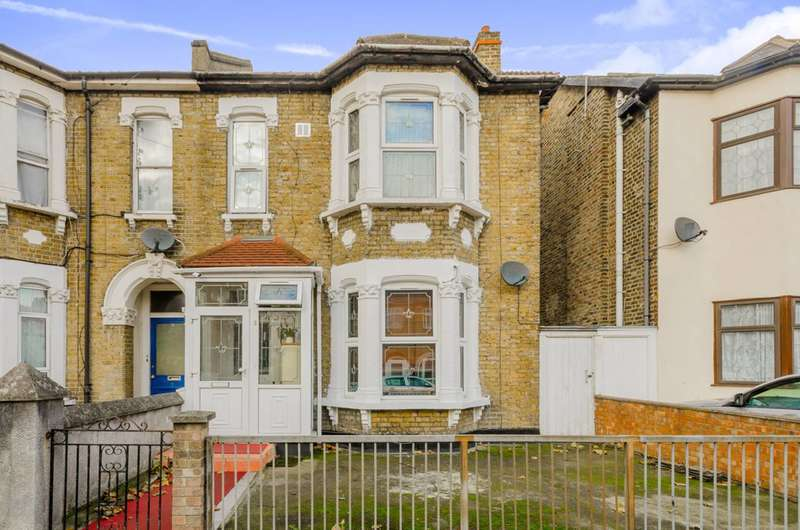 4 Bedrooms Semi Detached House for sale in Clova Road, Forest Gate, E7