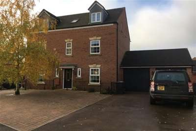 5 Bedrooms House for rent in KINGSWAY