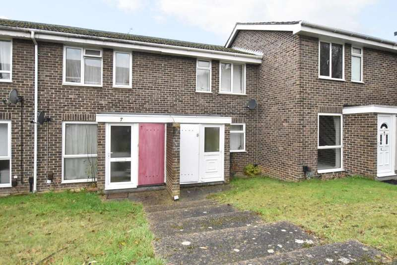 2 Bedrooms Terraced House for sale in Avon Close, Calcot, Reading, RG31