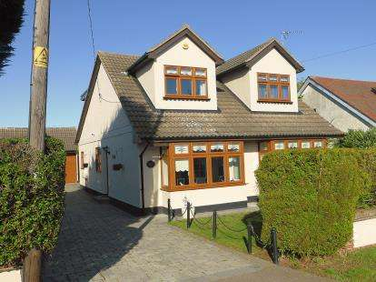 4 Bedrooms Detached House for sale in Hawkwell, Essex, .