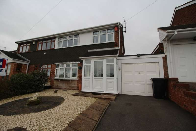 3 Bedrooms Semi Detached House for sale in Silverthorne Avenue, The Foxyards Estate, Tipton, West Midlands, DY4