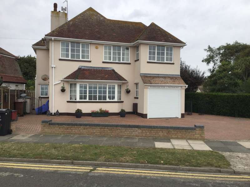 3 Bedrooms Detached House for sale in 2 Waltham Way, Frinton-on-Sea, CO13