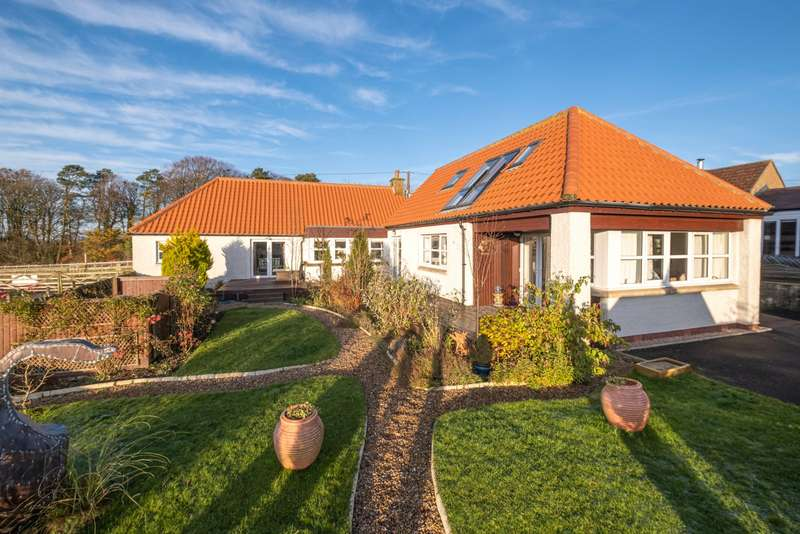 2 Bedrooms Detached House for sale in Moss Cottage, Peat Inn, Cupar, Fife, KY15