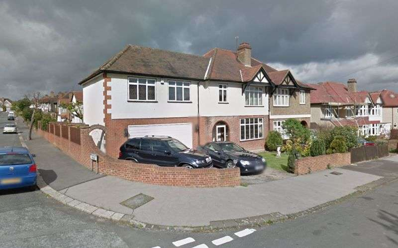 4 Bedrooms Property for sale in Bennetts Avenue, Croydon