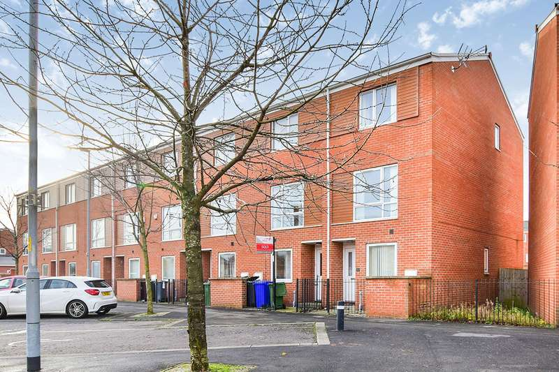 4 Bedrooms End Of Terrace House for sale in Markfield Avenue, Manchester, Greater Manchester, M13