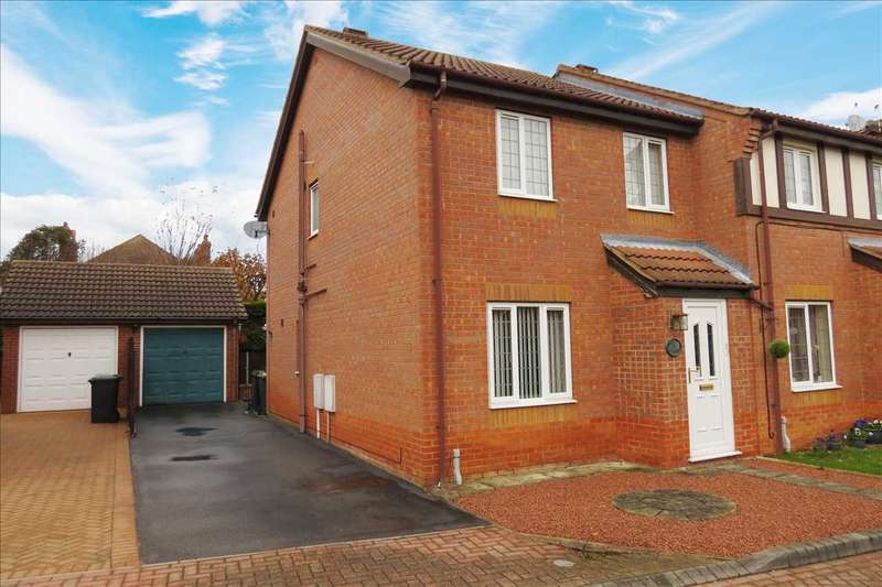 3 Bedrooms Semi Detached House for sale in Nursery Court, Sleaford